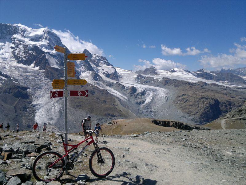 ŠVÝCARSKO - Walliské Alpy (cykloturistika)